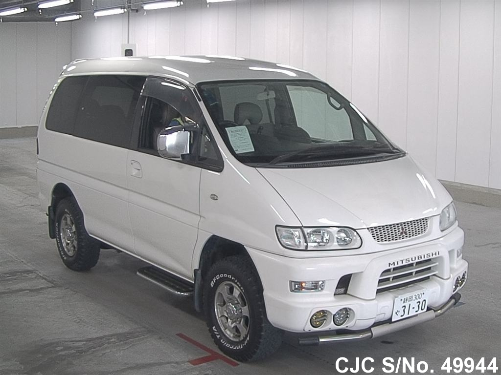 Mitsubishi / Delica 1999 3.0 Petrol
