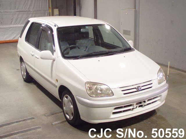 Toyota / Raum 1999 1.5 Petrol