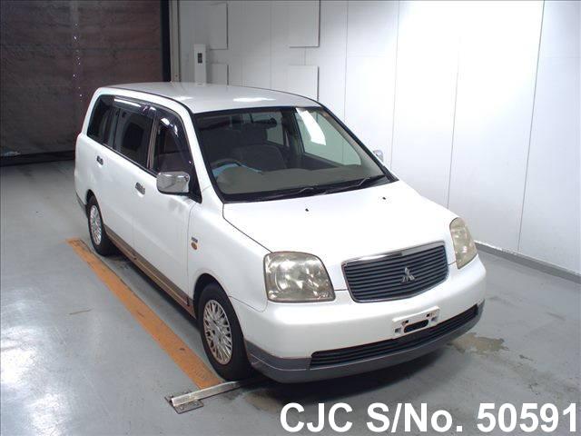 Mitsubishi / Dion 2000 2.0 Petrol