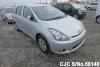 2004 Toyota / Wish ZNE10