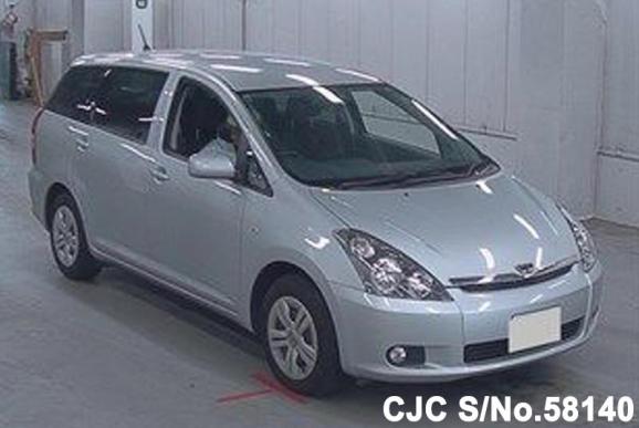 2004 Toyota / Wish Stock No. 58140