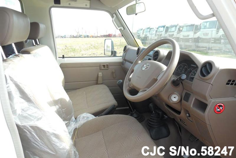 2015 Toyota / Land Cruiser Stock No. 58247