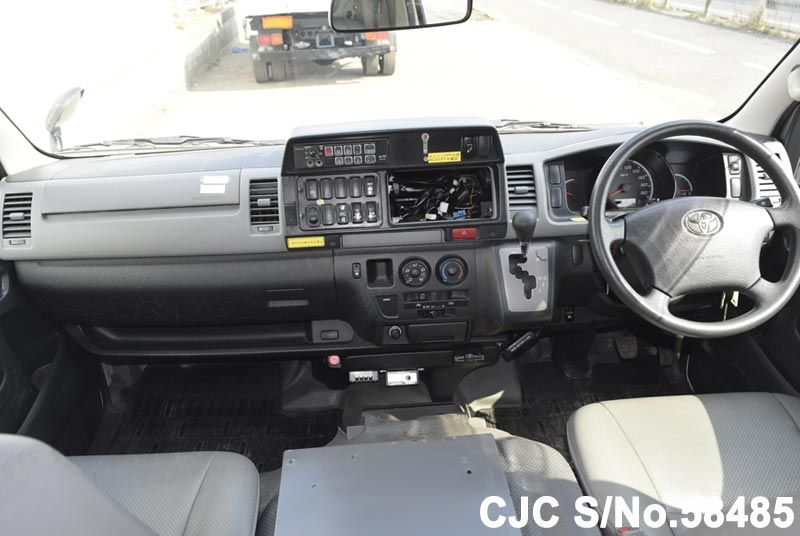 2006 Toyota / Hiace Stock No. 58485