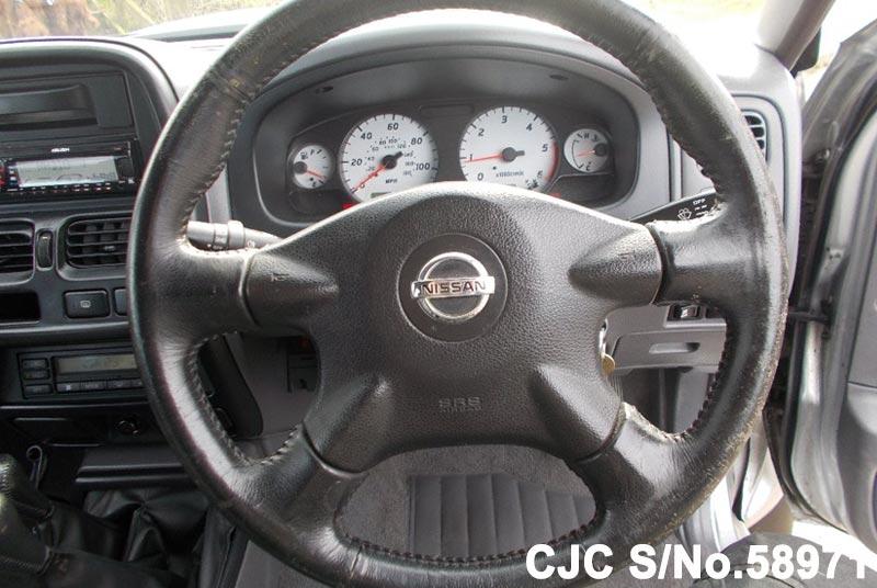 2004 Nissan / Navara Stock No. 58971