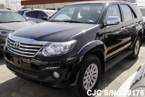 2015 Toyota / Fortuner Stock No. 59178