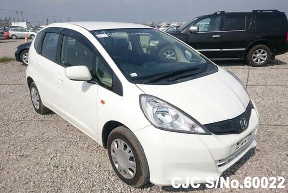 2012 honda fit jazz white for sale stock no 60022 japanese used cars exporter. Black Bedroom Furniture Sets. Home Design Ideas