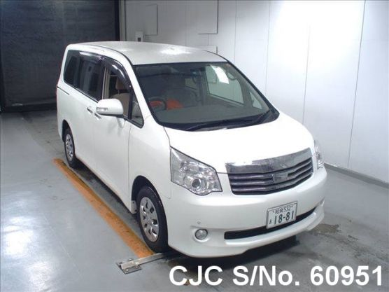 2011 Toyota / Noah Stock No. 60951