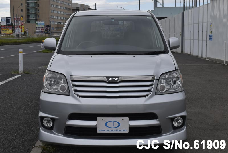2002 Toyota / Noah Stock No. 61909