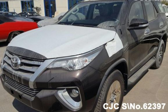 2017 Toyota / Fortuner Stock No. 62397