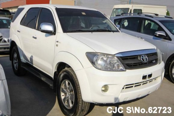2006 Toyota / Fortuner Stock No. 62723