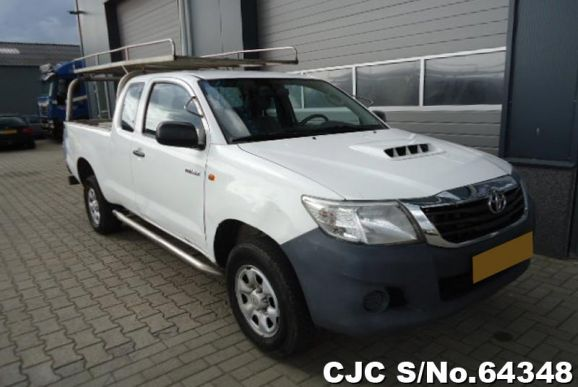 2013 Toyota / Hilux Stock No. 64348