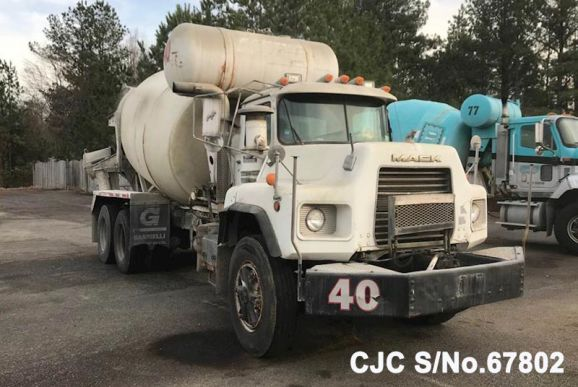 1999 Mack / DM690SX Concrete Mixer Stock No. 67802