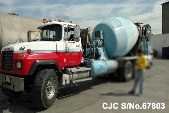 1995 Mack / RD690S Concrete Mixer Stock No. 67803