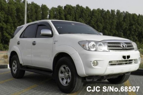 2009 Toyota / Fortuner Stock No. 68507