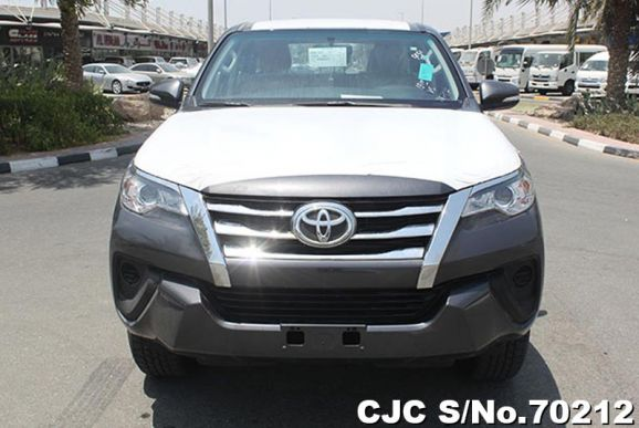 2017 Toyota / Fortuner Stock No. 70212