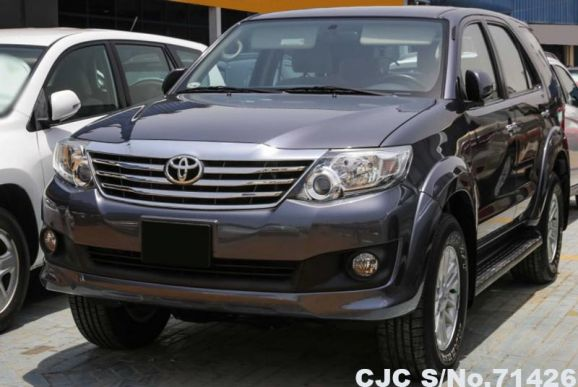 2014 Toyota / Fortuner Stock No. 71426