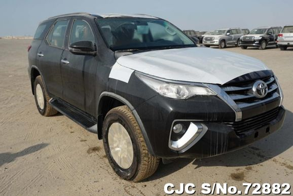 2019 Toyota / Fortuner Stock No. 72882