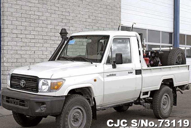 Brand New 2018 Left Hand Toyota Land Cruiser White for sale