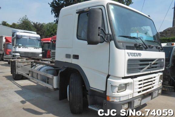 1999 Volvo / FM 7 250 Stock No. 74059