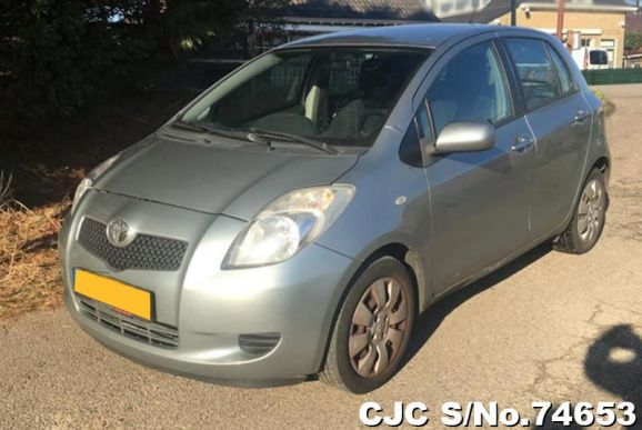 2007 Toyota / Vitz - Yaris Stock No. 74653