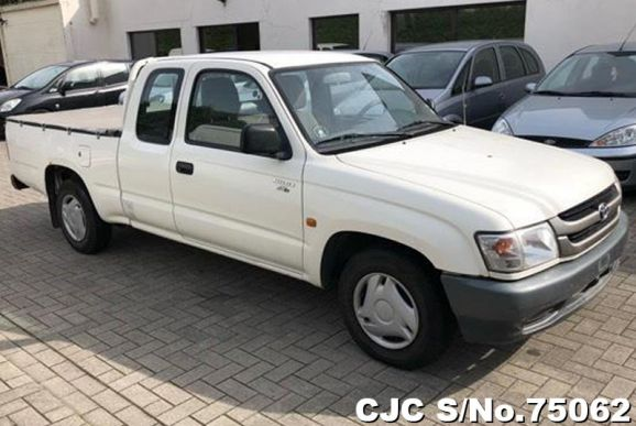 2004 Toyota / Hilux Stock No. 75062