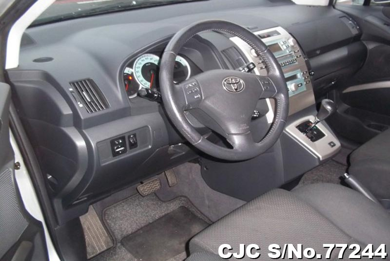 2006 Toyota / Corolla Verso Stock No. 77244
