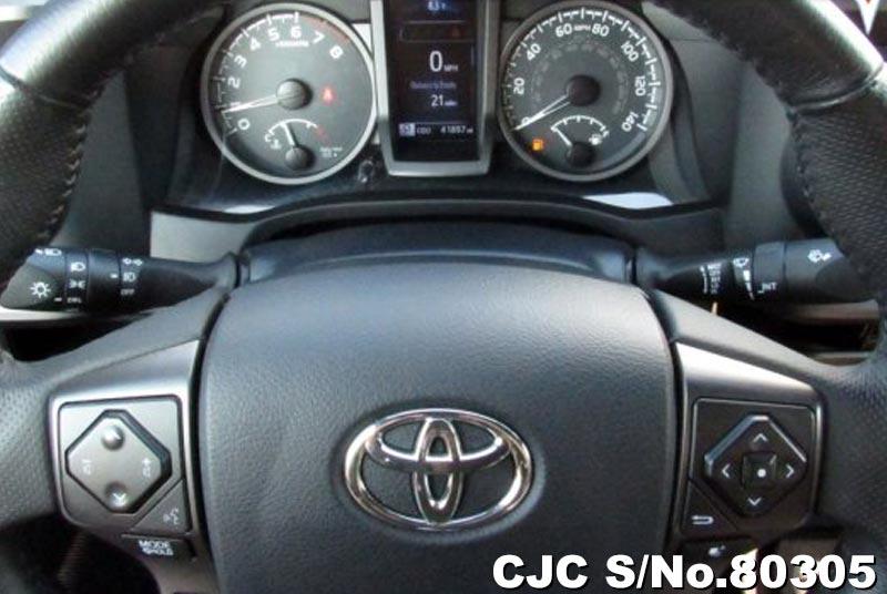 2017 Toyota / Tacoma Stock No. 80305