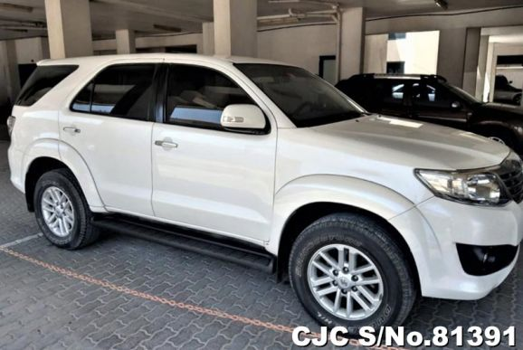 2015 Toyota / Fortuner Stock No. 81391