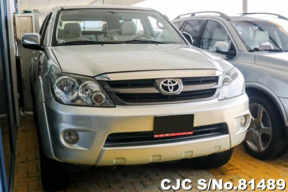 2008 Toyota / Fortuner Stock No. 81489