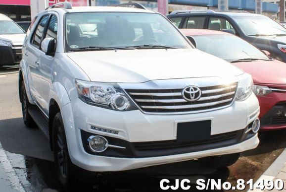 2015 Toyota / Fortuner Stock No. 81490