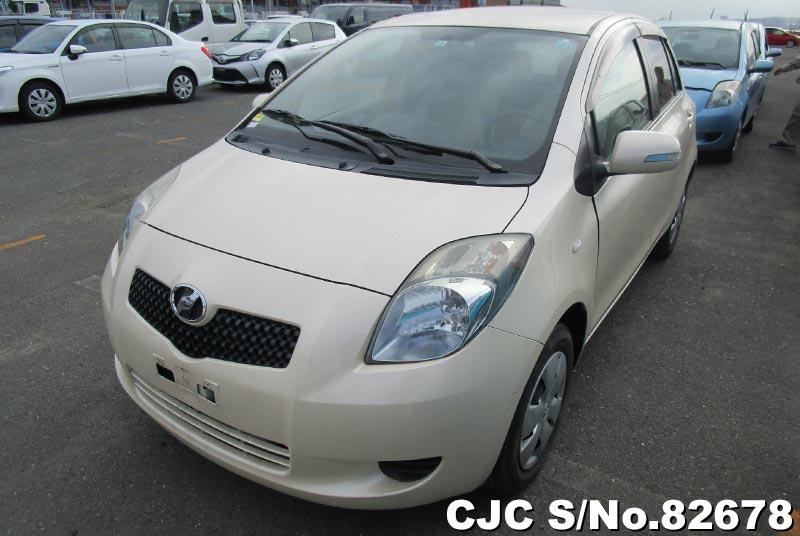 2006 Toyota / Vitz Stock No. 82678