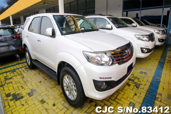 2015 Toyota / Fortuner Stock No. 83412