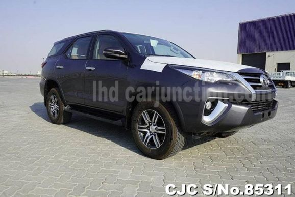 2020 Toyota / Fortuner Stock No. 85311