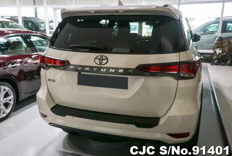 2019 Toyota / Fortuner Stock No. 91401