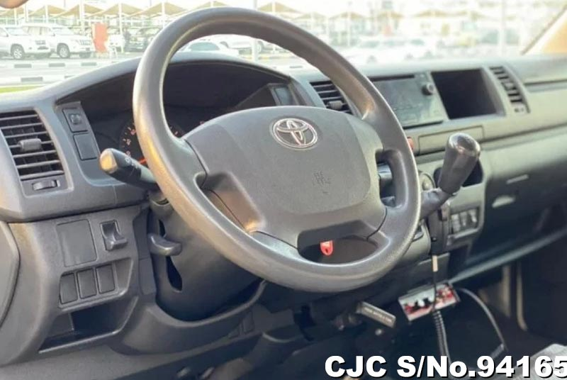 2015 Toyota / Hiace Stock No. 94165
