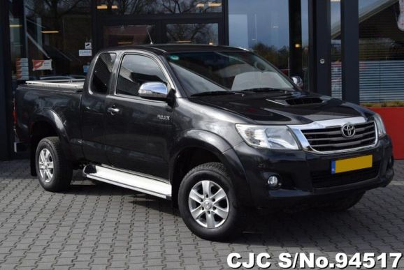 2013 Toyota / Hilux Stock No. 94517