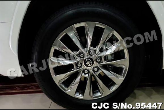 Toyota Landcruiser 2022 Black 2