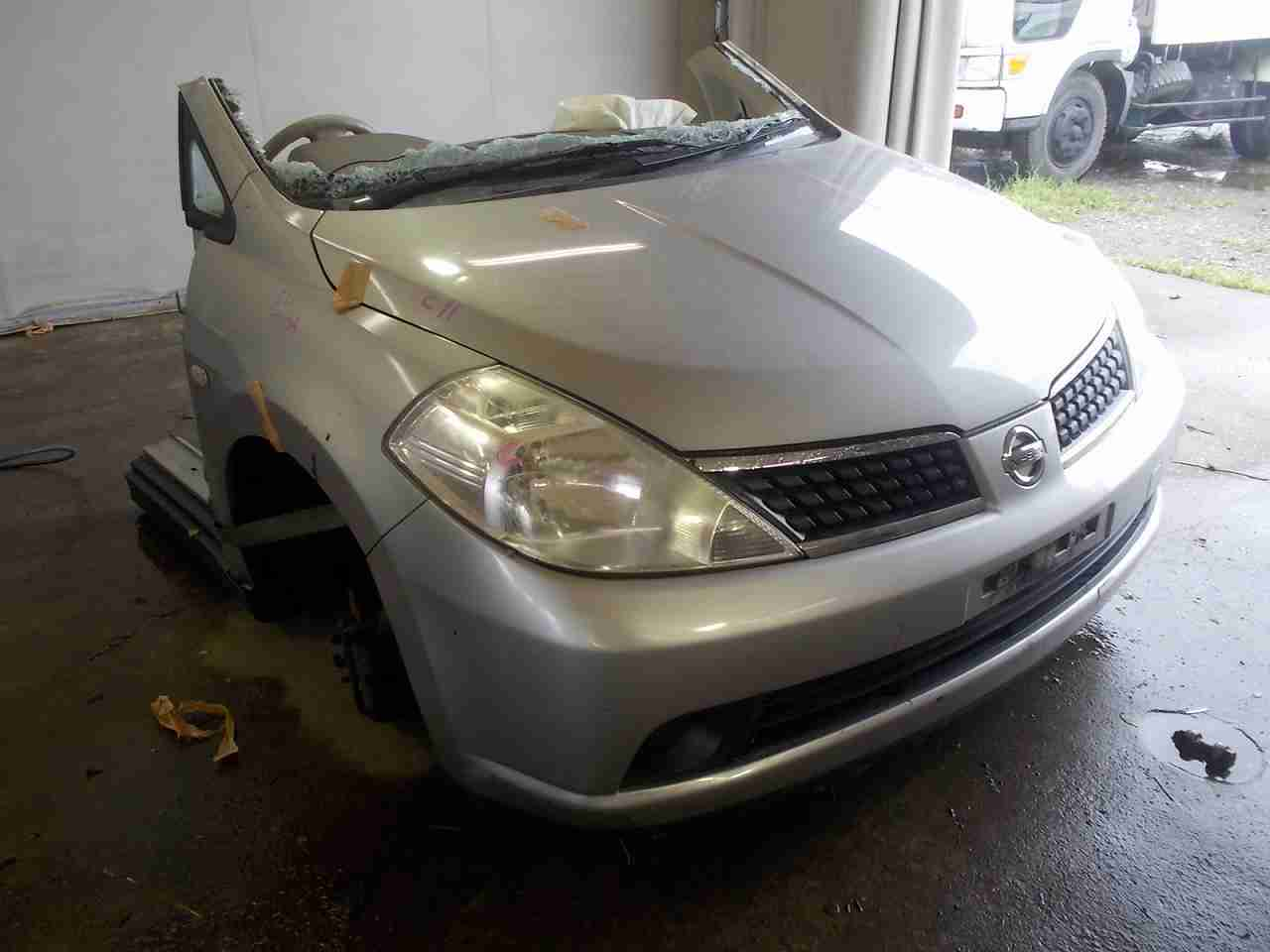 Nissan / Tiida ready for parts
