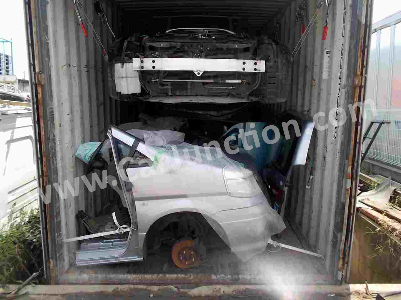 auto parts in container