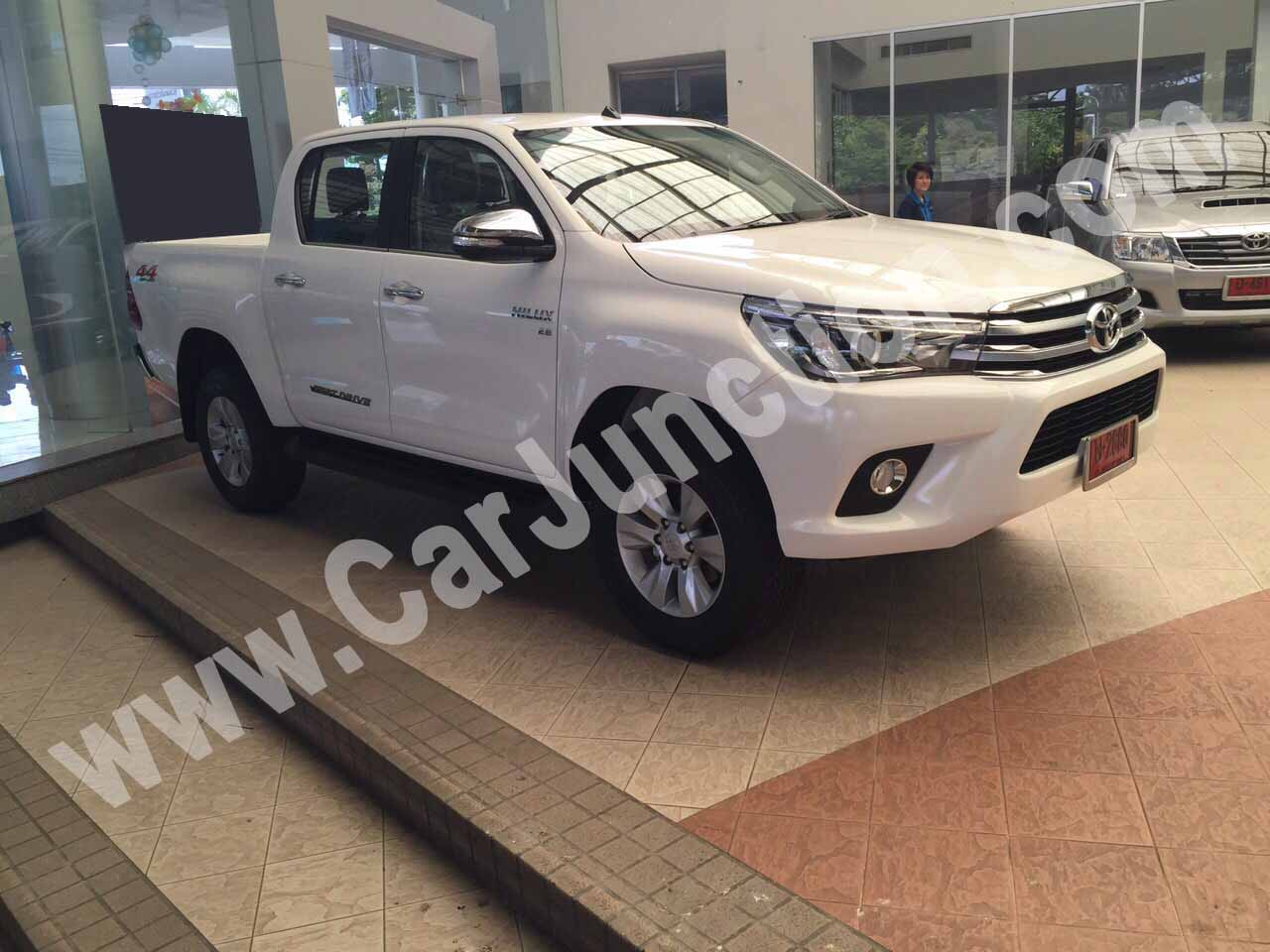 Toyota Hilux Revo in White