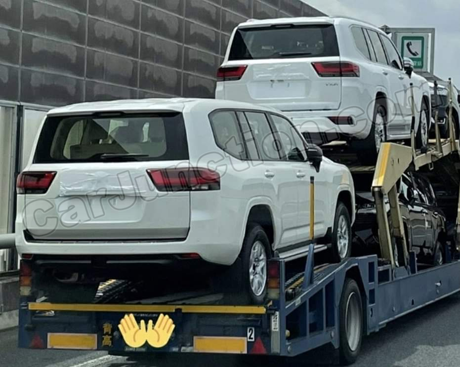 Toyota Landcruiser 2022 Uncovered Rear